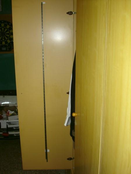 Lista para usar, en el interior de la puerta del armario